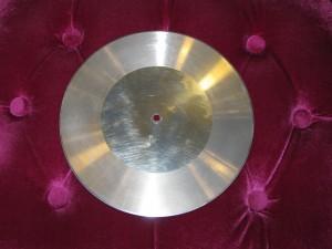 二三十年代发明的全铝质金属留声机唱片