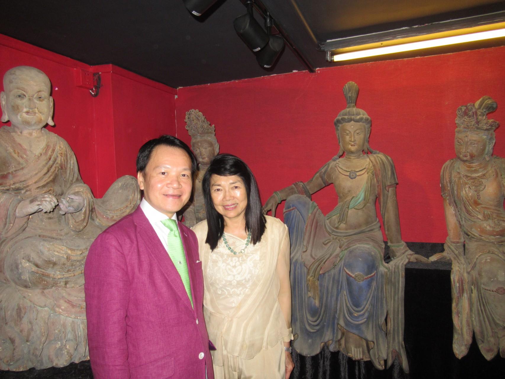 熱烈歡欣澳門霍英東基金會霍麗萍伉儷主持《中國古代卓越大型木雕佛教藝術館》開幕儀式。